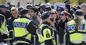 Pegida gösteri yapacam dedi! İsveç'te Pegida'ya karşı gösteri için binlerce kişi harekete geçti