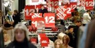 Stockholm'de indirim kaosu, müşteriler saç-baş birbirine girdi...