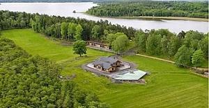 Ünlü yıldız İsveç'teki adasını satılığa çıkardı