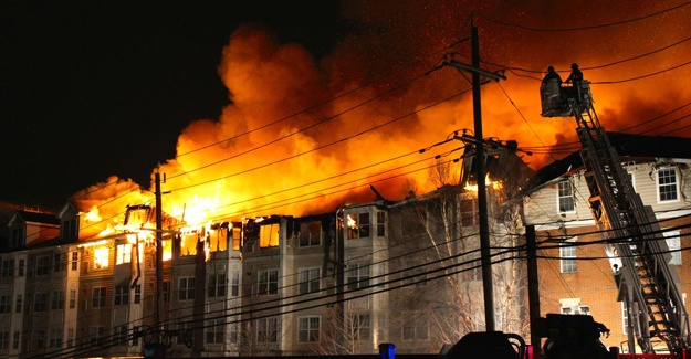 Türk Diplomatlar ateş çemberinde kaldı