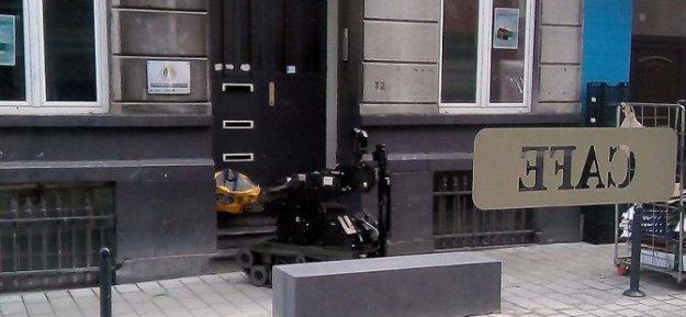 Türk Federasyonun binası önüne bombalı paket bırakıldı