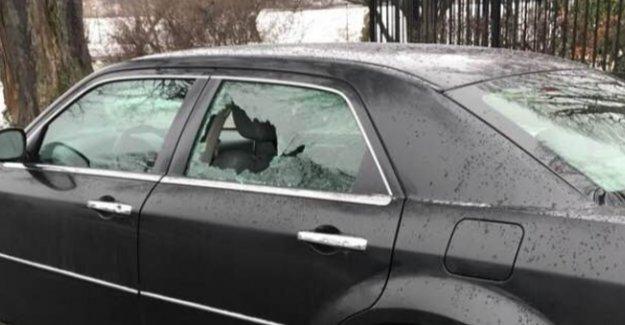 Türkiye'nin Stockholm Büyükelçiliği Aracına Saldırı