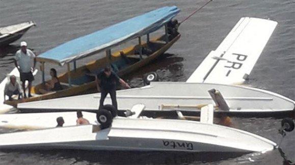 Uçak düştü bir İsveçli öldü