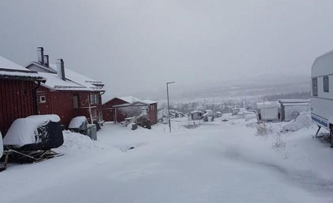 İsveç'in bir tarafında çöl sıcağı, bir tarafında kar
