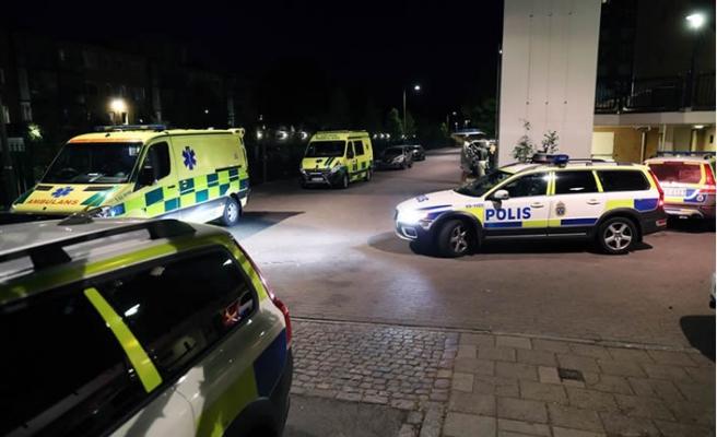 İsveç'te bir kadının balkondan şüpheli düşüşü