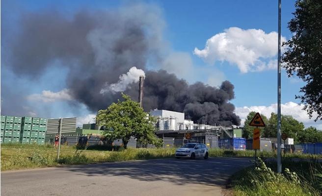 İsveç'te boya plastik atık merkezinde feci yangın