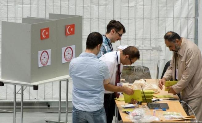 Yurtdışında yaşayan seçmenlerin oy kullanma işlemi 7 Haziran'da başlıyor