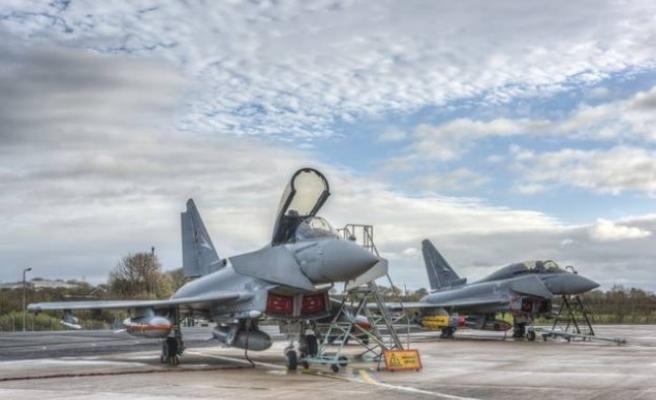 Birleşik Krallık  İsveç'le yeni savaş uçağı için görüşüyor