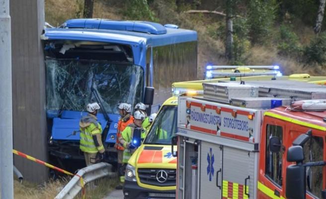 Göteborg'da şarşırtan otobüs kazası