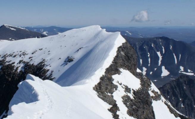 İsveç'in En Yüksek Dağı, Küresel Isınma Nedeniyle Eriyerek Ünvanını Kaybetti
