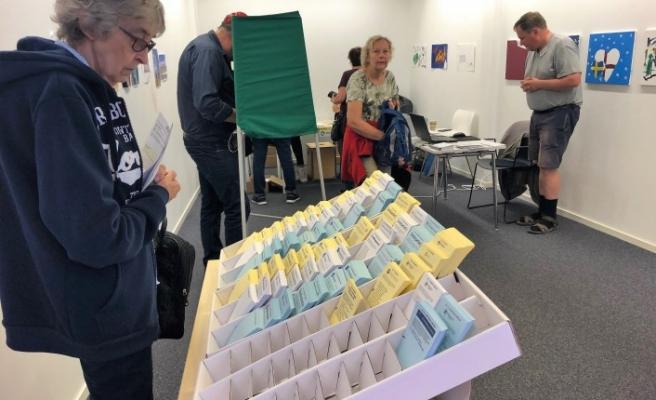 İsveç'te ilk seçim sonuçları