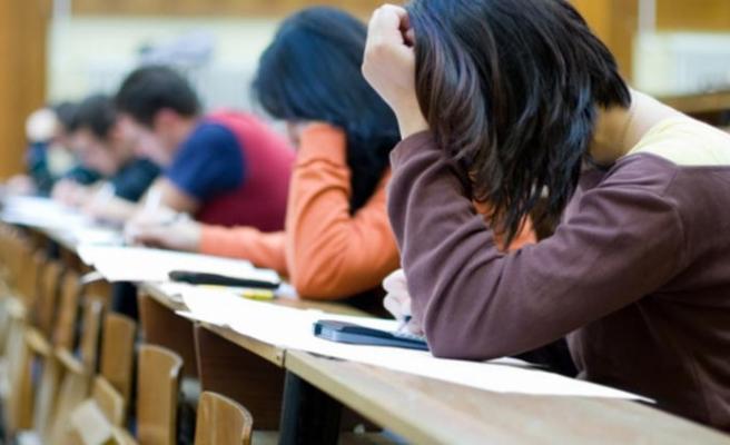 İsveç'te üniversite sınavı sorularını satanlar yargılanıyor