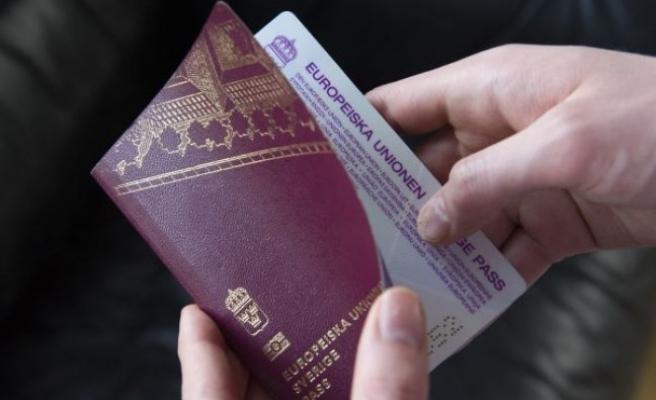İsveç vizesiz seyahat edebilen ilk  ülke olma sırasını kaybetti