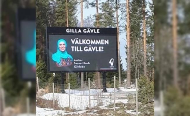 İsveç'te başörtülü Müslüman kadının bulunduğu reklam panosu tahrip edildi