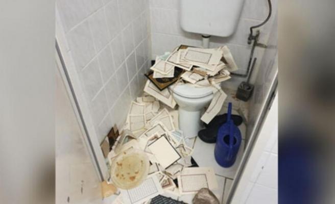 Aşağılık saldırı Müslümanları üzdü: Kuran'ları yırtıp tuvalete attılar