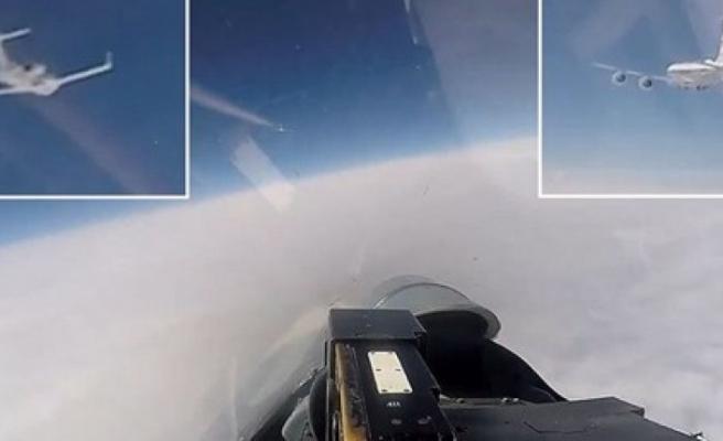 Rusya'dan ABD ve İsveç savaş uçaklarına önleme