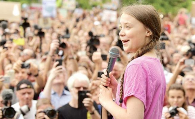Dünyanın konuştuğu küçük İsveçli kız: 'Geleceğimiz iklim değişikliğini önlemeye bağlı'