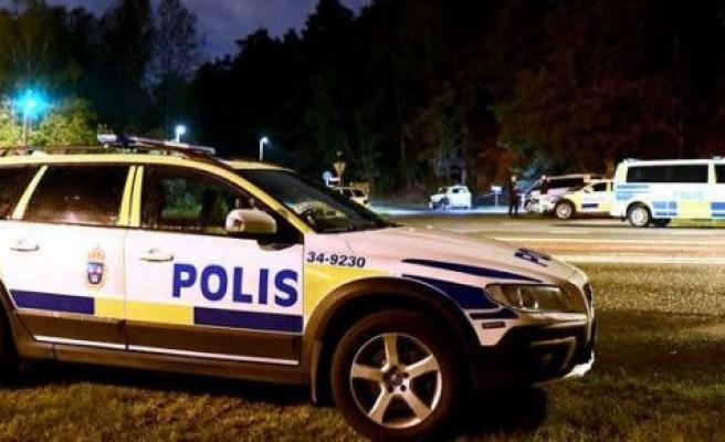 İsveç'te İnternette yayınlamak için arkadaşını balta ile öldürdü