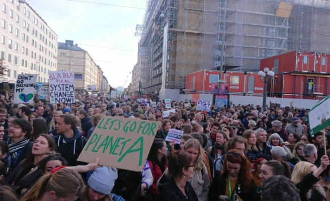 Stockholm'de 60 bin çevreci sokağa indi