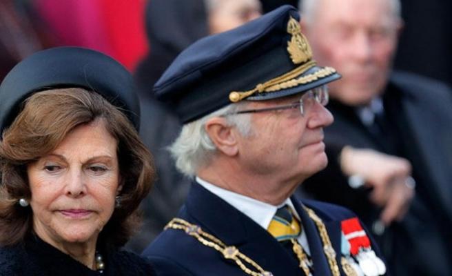 İsveç Kralı tasarruf için torunlarını saraydan çıkardı