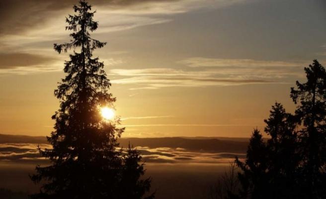 İsveç'in en kuzeyinde yılın son güneşi böyle battı
