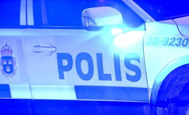 İsveç'te iki kişi ev basarak, ev sahibini hastanelik etti