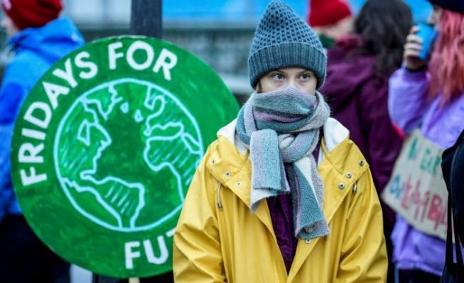 İklim zirveleri için dünyayı dolaşan Greta, İsveç'teki eylemine kaldığı yerden devam ediyor