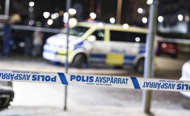 İsveç'te 20 yaşındaki genç evinde öldürüldü - 2 kişi tutuklandı