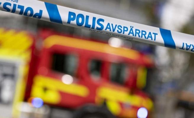 İsveç'te bıçakla markete giren zanlı malzeme alıp gitti