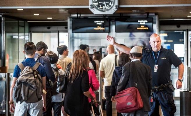 Pasaport kontrol sistemi Arlanda'da kaosa neden oldu