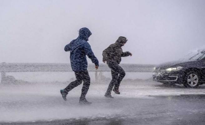 Sert rüzgar nedeniyle Öresund köprüsü trafiğe kapatıldı