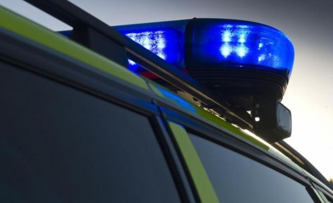 İsveç'te polis aracının lastiklerini patlatan kişi önce tutuklandı sonra...