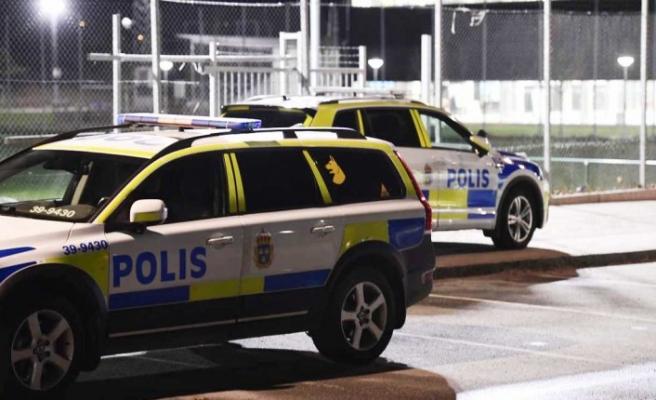 İsveç'teki bir okulda bir kişi bıçaklanmış halde bulundu