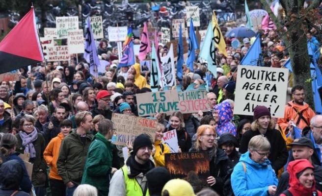 Malmö'de binlerce kişi iklim için bir araya geldi