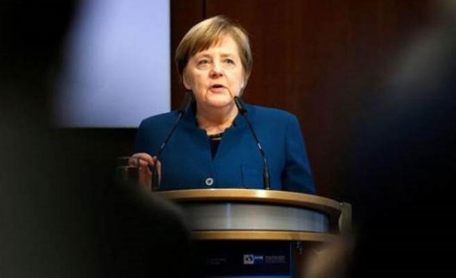 Merkel'den korkutan açıklama: Nüfusumuzun yüzde 60-70'ine virüs bulaşacak