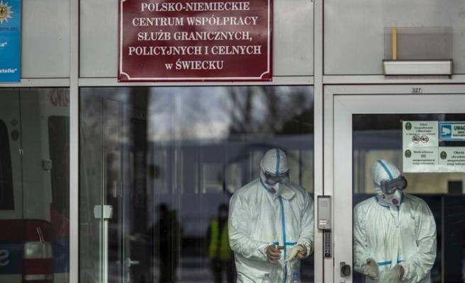 Polonya'da sınır kapılarını kapattı