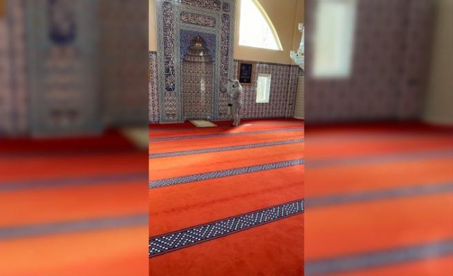 Stockholm'de Fittja Ulu Camisi virüs tehlikesine karşı dezenfekte edildi