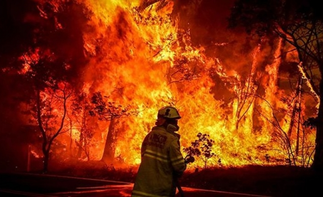 Villa yangınında dört kişi hastaneye kaldırıldı