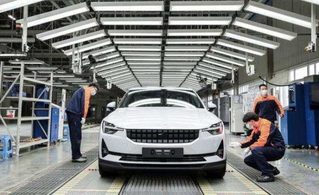Volvo, Tesla'ya rakip olacak otomobilin üretimine  başladı