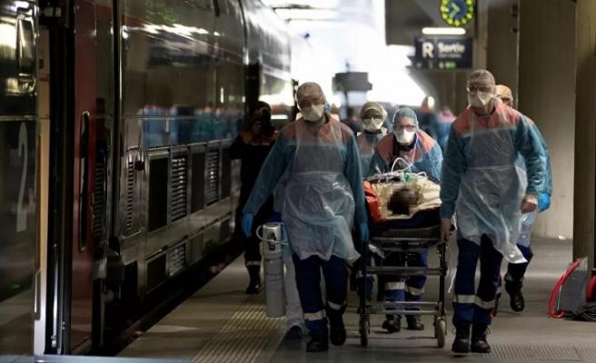 Fransa'da ağır tablo: Yeni rakamlarla ölenlerin sayısı 4 bin 32'ye yükseldi