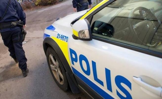Kungsbacka'da 60 yaşındaki adam insanları vurmakla tehdit etti