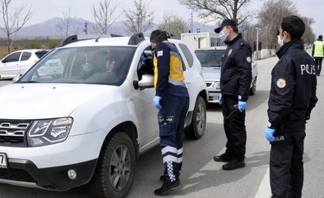 Türkiye şehirler arası ulaşım tedbirlerini 15 gün daha uzattı