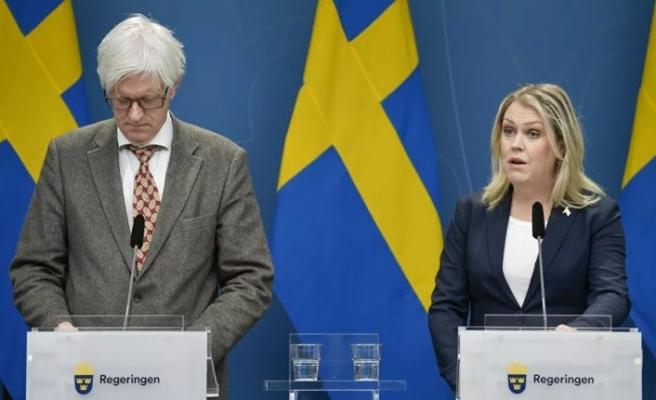 İsveç hükümeti bir kez daha itiraf etti: Yaşlılarımızı korumayı başaramadık