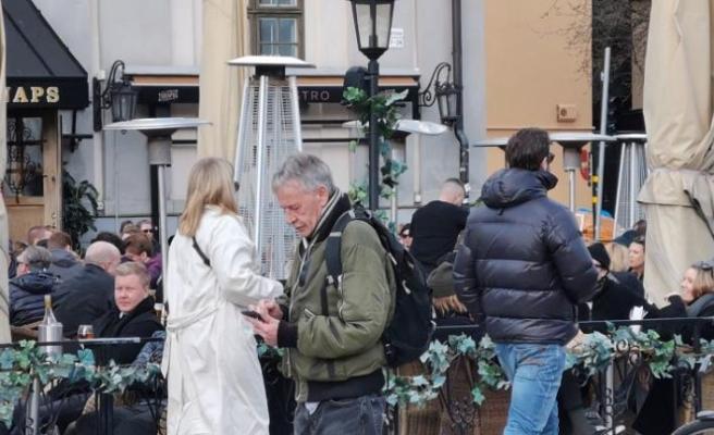 İsveç, Covid-19 salgınına rağmen neden halka yüz maskesi takmasını önermiyor ?