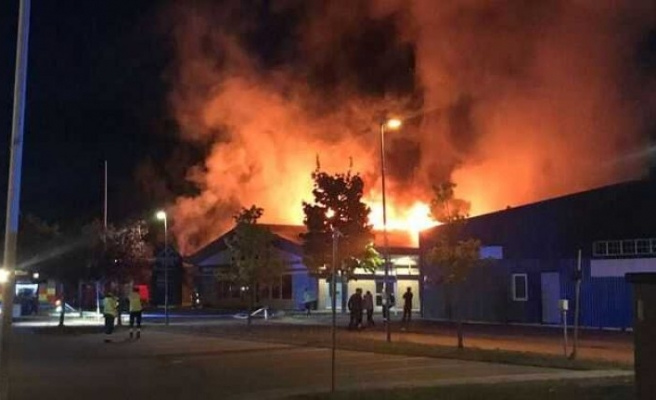 Yangın büyük bir endüstriyel tesisi yok etti