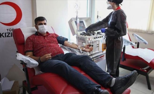İsveç'ten ambulans uçakla götürülen Gülüşken'den plazma bağışı