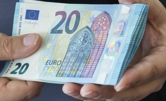 İsviçre polisi, oyuncak parayla alışveriş yapmaya çalışan 8 yaşındaki çocuğa soruşturma açıp evinde arama yaptı