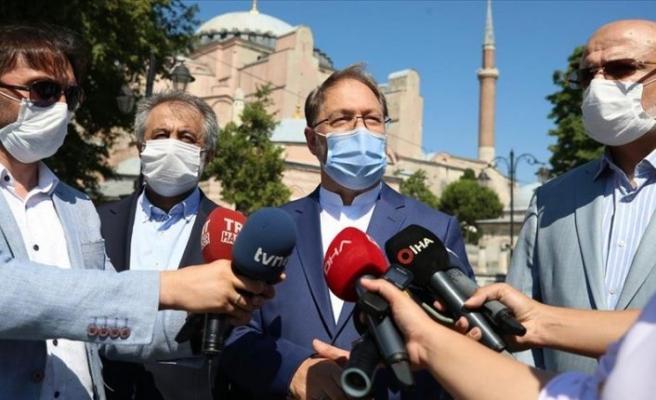 Ayasofya-i Kebir Camisi'ne biri profesör 3 imam, 5 müezzin atandı