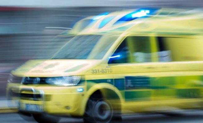 Otobüs ve kamyonun karıştığı kazada iki kişi hastaneye kaldırıldı