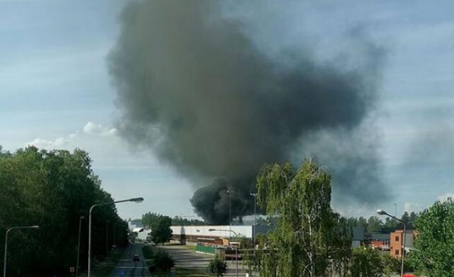 Geri dönüşüm merkezinde büyük yangın